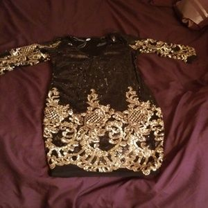 Dresses & Skirts - Black and gold sequin dress